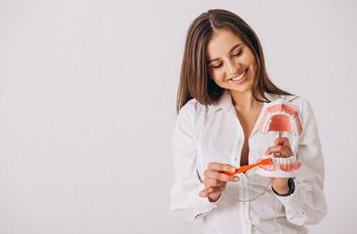 ניתוח חניכיים - למראה אסתטי ושמירה על הבריאות